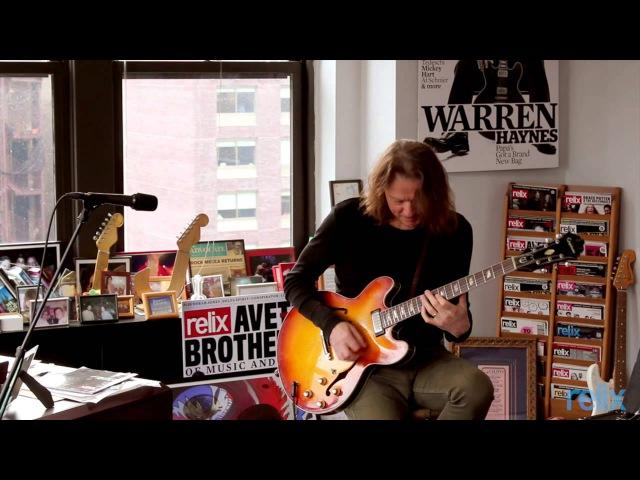 Robben Ford 12 Bar Blues Improvisation