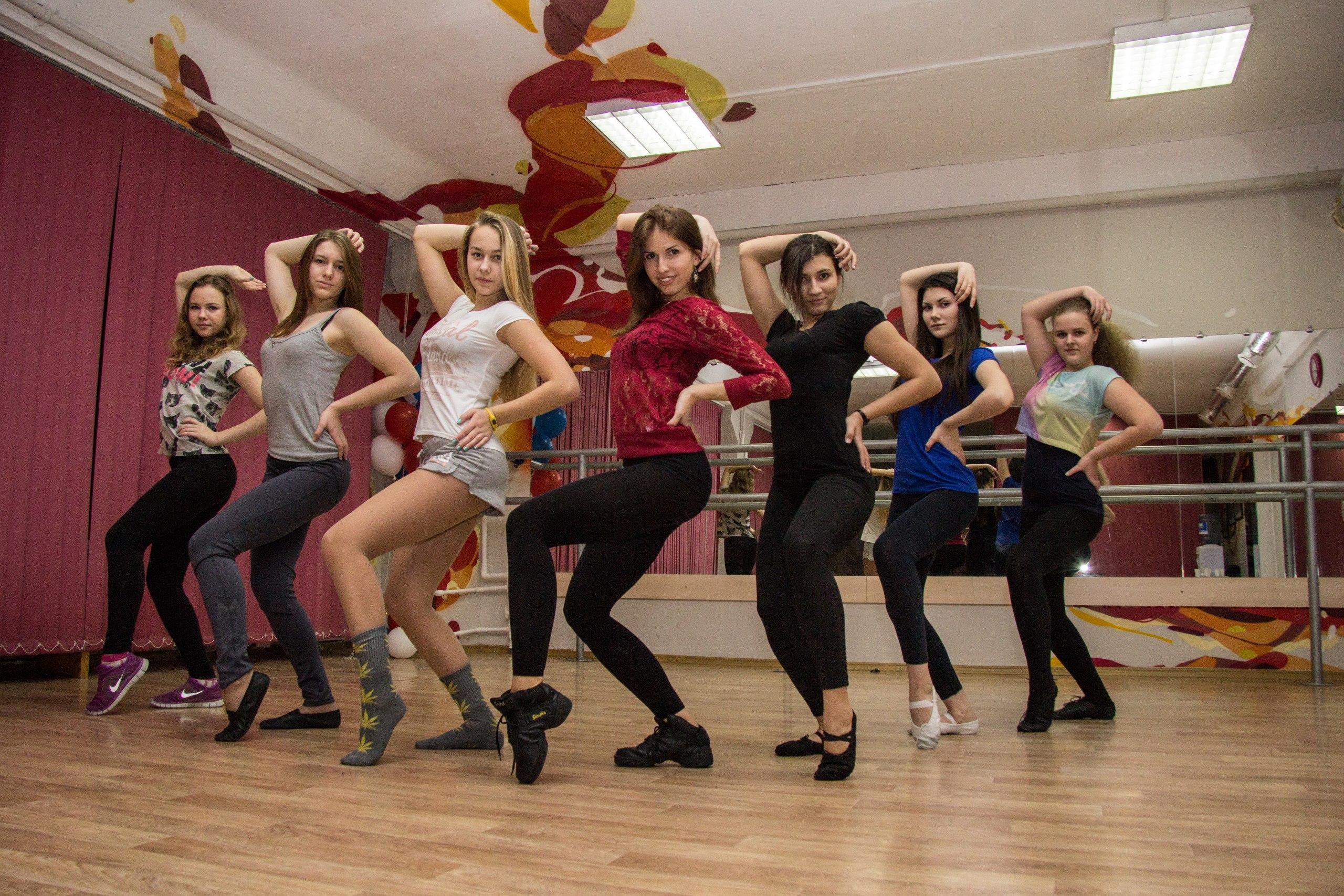 Сексуальные движения в танце 7 фотография