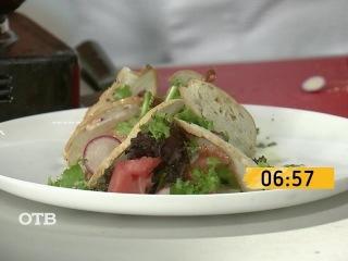 Завтрак на скорость: салат из арбуза и креветок (09.10.15)