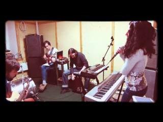 Leyla Gertner & El Tango - Besame Mucho