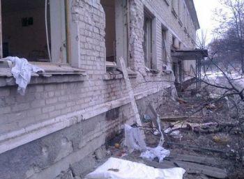 В результате обстрела Стаханова погибли 6 человек, 8 госпитализированы - МЧС ЛНР