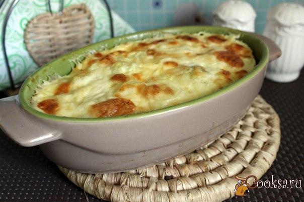 Цветная капуста в омлете под сырной корочкой #завтрак #кулинария #цветная #капуста #рецепты Если вы любите цветную капусту, то попробуйте приготовить очень вкусное блюдо.Цветная капуста в омлете под сырной корочкой будет прекрасным вариантом для сытного семейного завтрака, хотя можно и подать в качестве легкого ужина. Для мужчин можно еще добавить мелко порезанной ветчины или вареной колбасы хорошего качества.