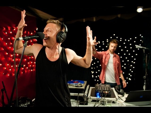 Macklemore Ryan Lewis - Cant Hold Us (Live on KEXP)