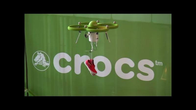『世界初の空中ストア!』 crocs flying norlin project 「クロックス×ドローン crocs×drone」2015.3.5 @東