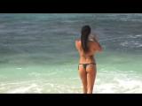 Искупалась и все - Sexy Bikini Girl swimming Maui Hawaii
