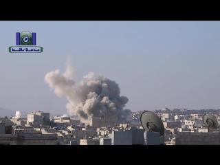 Сирия. Бомбовый удар по позициям боевиков в районе Кафр-Хамра. .