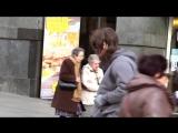 Криштиану Роналду устроил пранк в центре Мадрида, а люди его даже не узнали ...(_HD