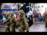 Военный парад в Нарве : как колонна Сил обороны Эстонии и НАТО прямиком пёрла на