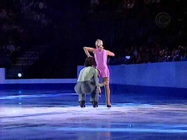 Elena Berezhnaya Anton Sikharulidze Let Me Fall AP 2003 Ice Wars