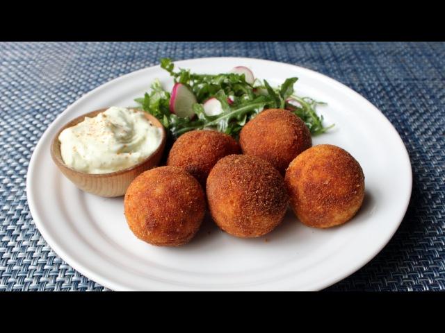 Deep-Fried Creamy Chicken Gravy - Extra Saucy Chicken Croquettes