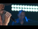 Tim McGraw Diamond Rings and Old Barstools From iHeart Live