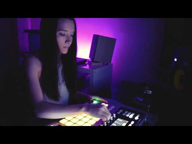 Allya - Maschine Studio Session (Booka Shade - Body Language Remake)