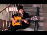 Таис Логвиненко - испанская песня в подъезде (Девушка играет испанскую песню на гитаре)