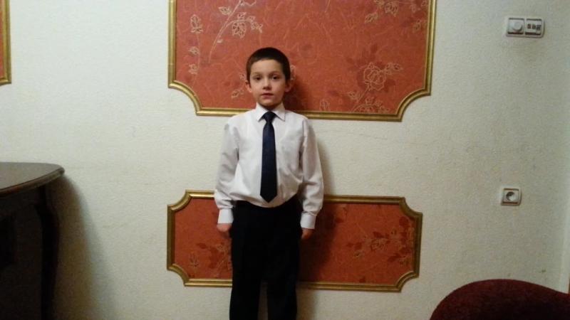 Враг злобствует в бешенной дрожи Валентин Шульчев