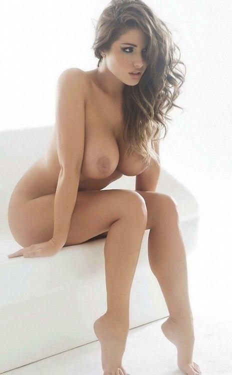 Mature nude sexy woman