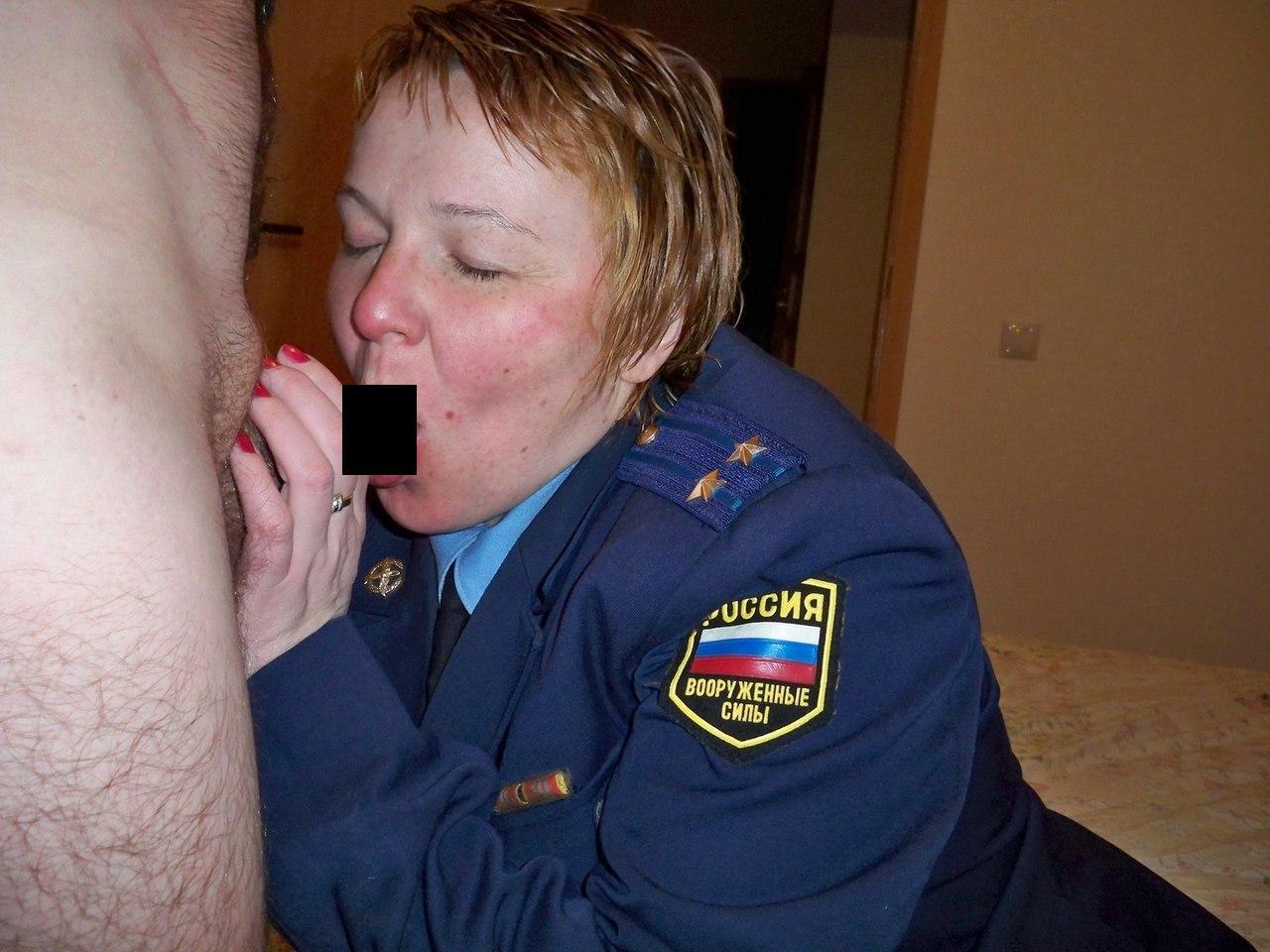 Русская милиционерша раздевается, Полицейские порно, смотреть секс в Полиции видео 6 фотография