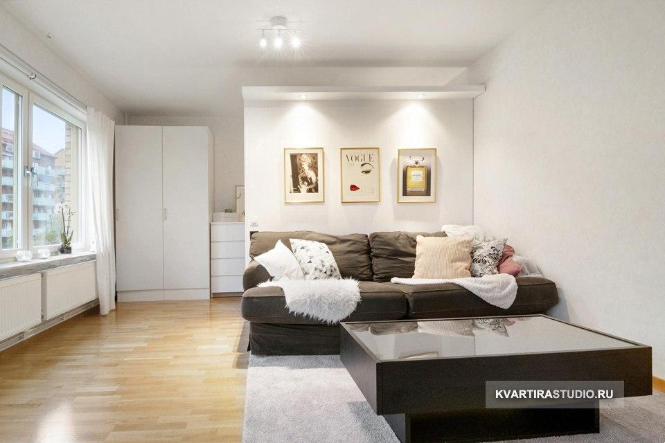 Примеры зонирования комнаты на гостиную и спальню перегородкой.