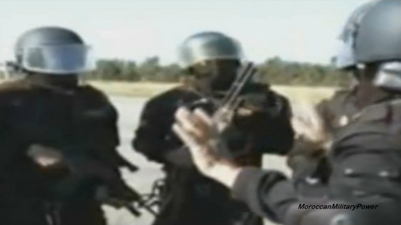 Moroccan Special Forces/Forces spéciales marocaines  :Videos et Photos : BCIJ, Gendarmerie Royale ,  - Page 2 Wl4YQDaaENY
