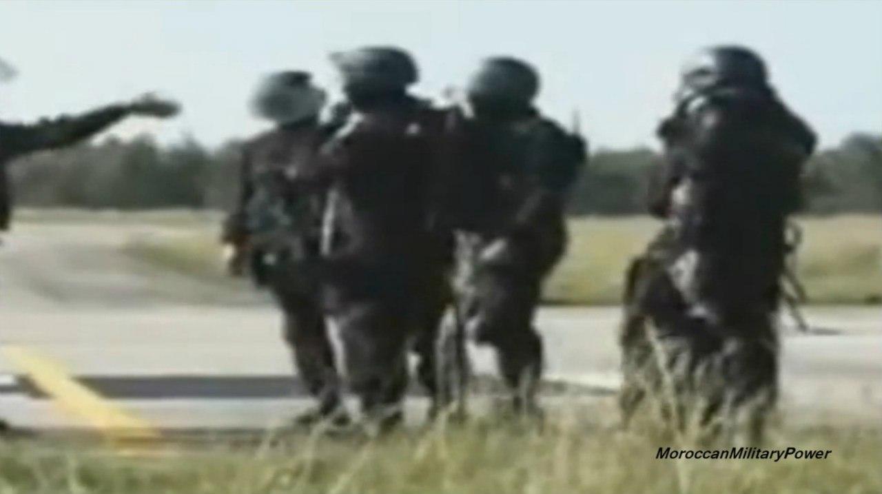 Moroccan Special Forces/Forces spéciales marocaines  :Videos et Photos : BCIJ, Gendarmerie Royale ,  - Page 2 VOAmDws-P4M