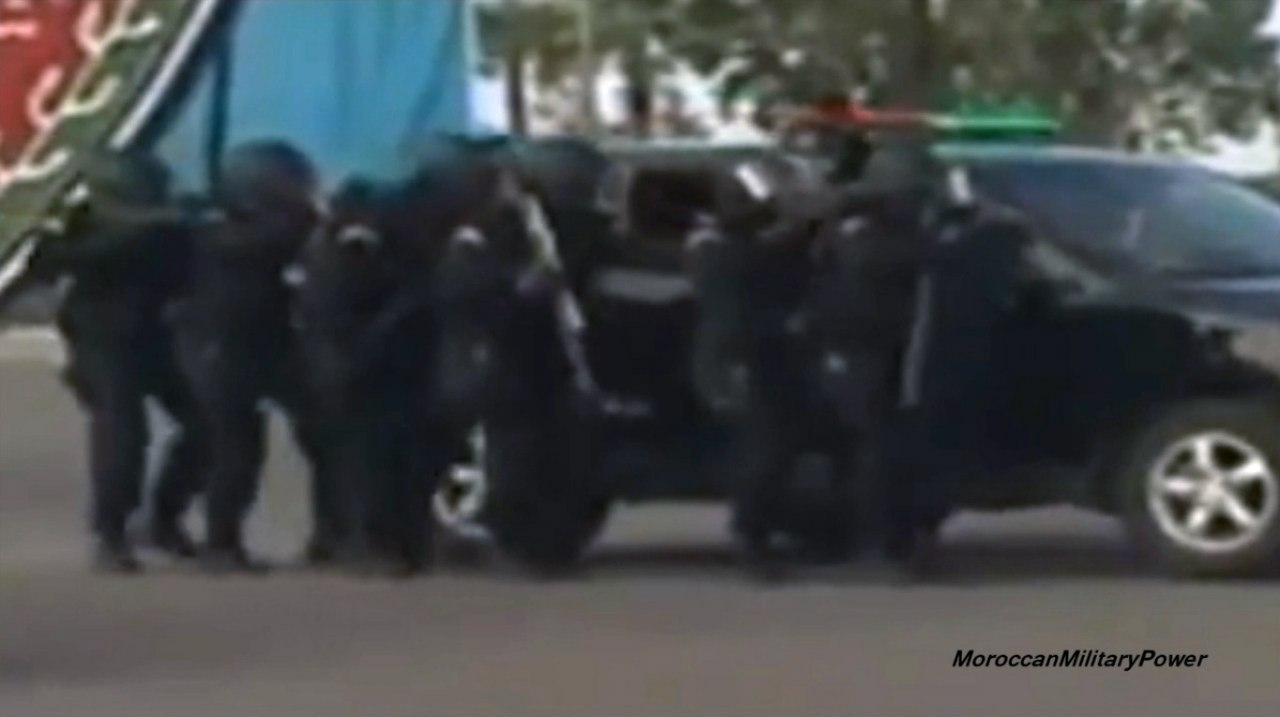 Moroccan Special Forces/Forces spéciales marocaines  :Videos et Photos : BCIJ, Gendarmerie Royale ,  - Page 2 JvB-3dxnd2U