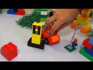 Машинка учит цифры в городе Лего. Цифра 1 (единица).