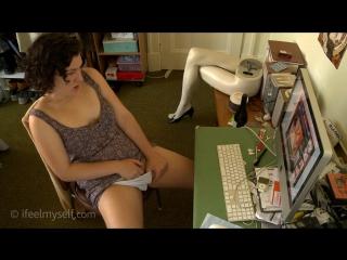Порно скрита камера девушка дрочит