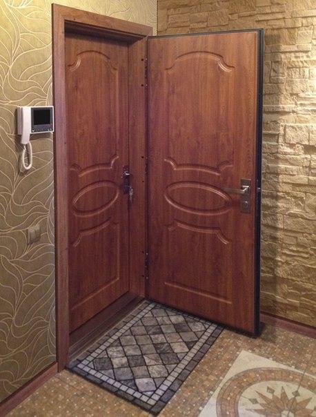 металлическая дверь на две квартиры