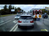 В Москве мажор на BMW показательно дважды подрезал скорую