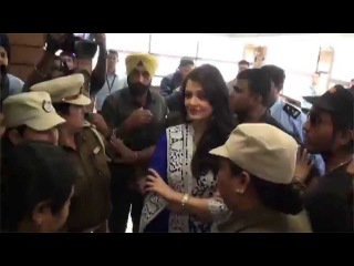 A Glimpse of Aishwarya Rai Bachchan at the Amritsar Store Launch