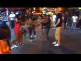 Как дерутся тайские проститутки в Паттайе на Walking Street