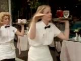 Бэнглз (The Bangles) Браслеты. Песня - Ходим как Египтяне (Walk Like an Egyptian)...