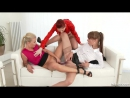 Chelsy Sun, Cayla Lyons, Kate Gold - Piss In My Mouth