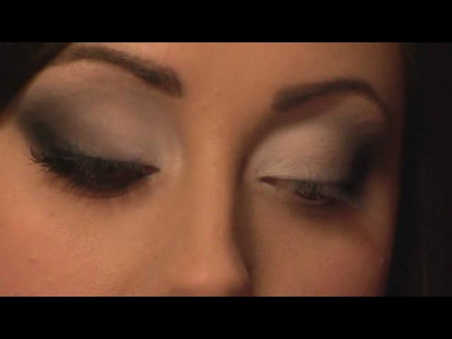 Выразительный макияж с матовыми тенями (перевод видео)
