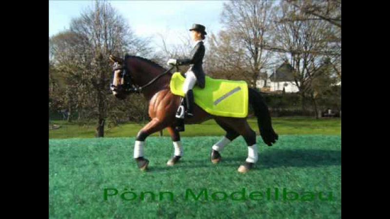 Pönn Decken und Gamaschen Zubehör für Modellpferde Model Horses Blankets more