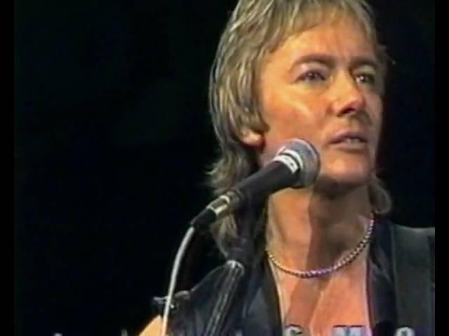 SMOKIE - THINK OF ME - 1983 new Chris Norman's single: www.youtube.com/watch?v=rOi63pHFGmY