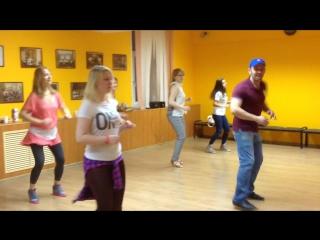Элементы реггетона. Школа танцев Латино.