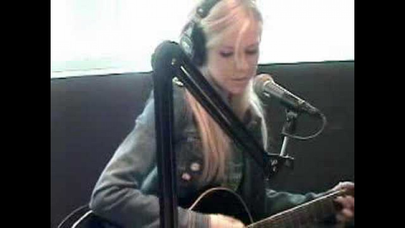 Avril Lavigne Nobody's Home Ultimate Live Acoustic Version