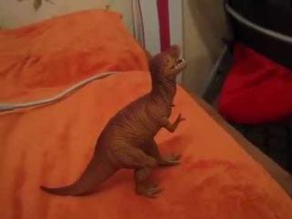 Говорящий динозавр рекс