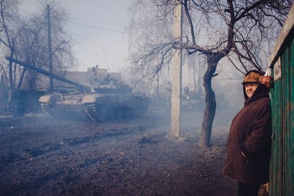 За день террористы 17 раз обстреляли позиции украинских воинов, – штаб АТО - Цензор.НЕТ 3192