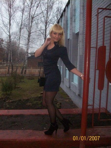 Graceful latina barbie accepts succulent pecker
