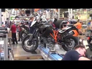 Как собирают мотоцикл KTM на заводе в Австрии. Моторный цех. HD