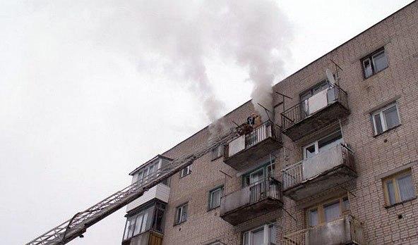 В Таганроге в пятиэтажке на Пальмиро Тольятти горела квартира