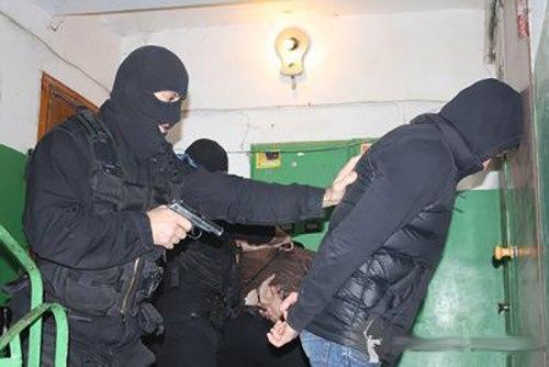 Таганрогские наркополицейские задержали организованную преступную группировку, продававшую амфетамин