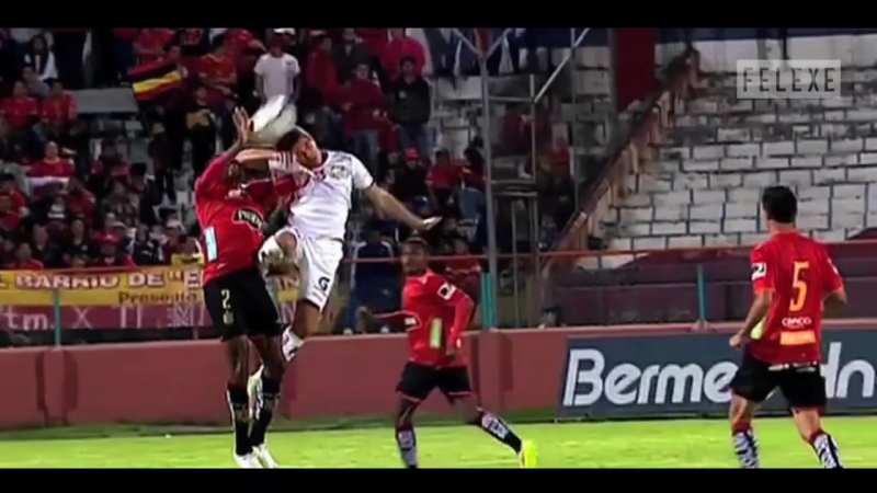 Top 10 сцен жесткой игры в футболе