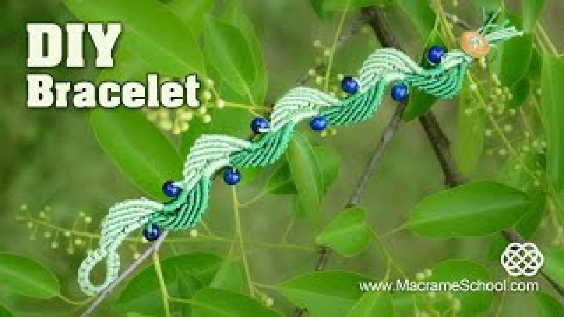 Wavy Macramé Leaf Blueberry Bracelet Tutorial