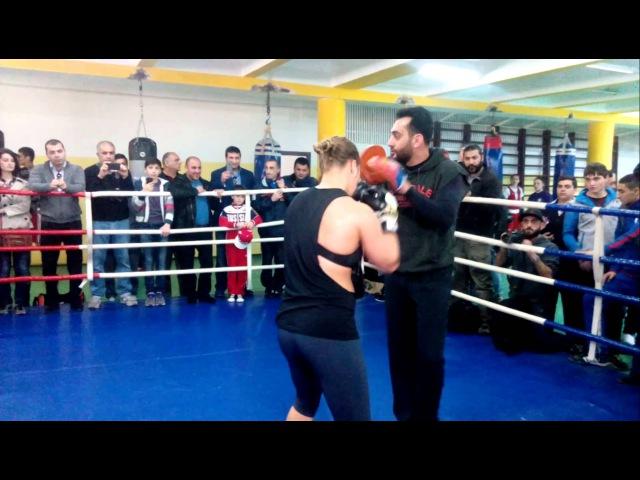 Ronda Rousey in Armenia, Ronda Rouseyin` Hayastanum
