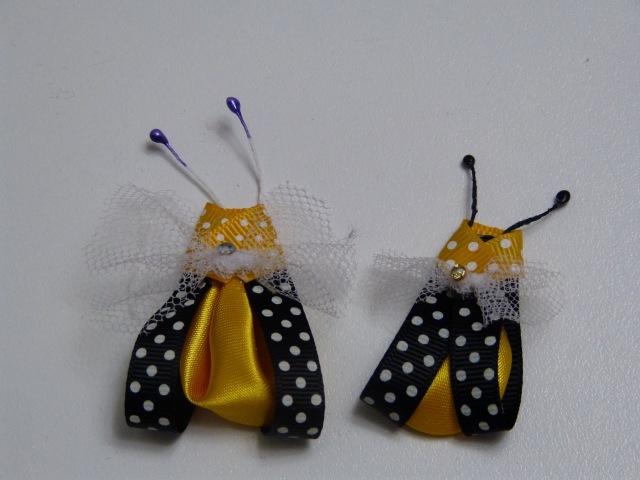 Abejitas en cinta delgada y petalo kanzashi para decorar tus accesorios para el cabello