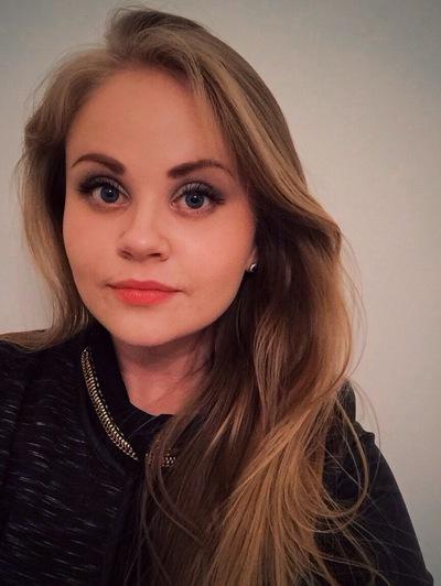 Лена Зуева