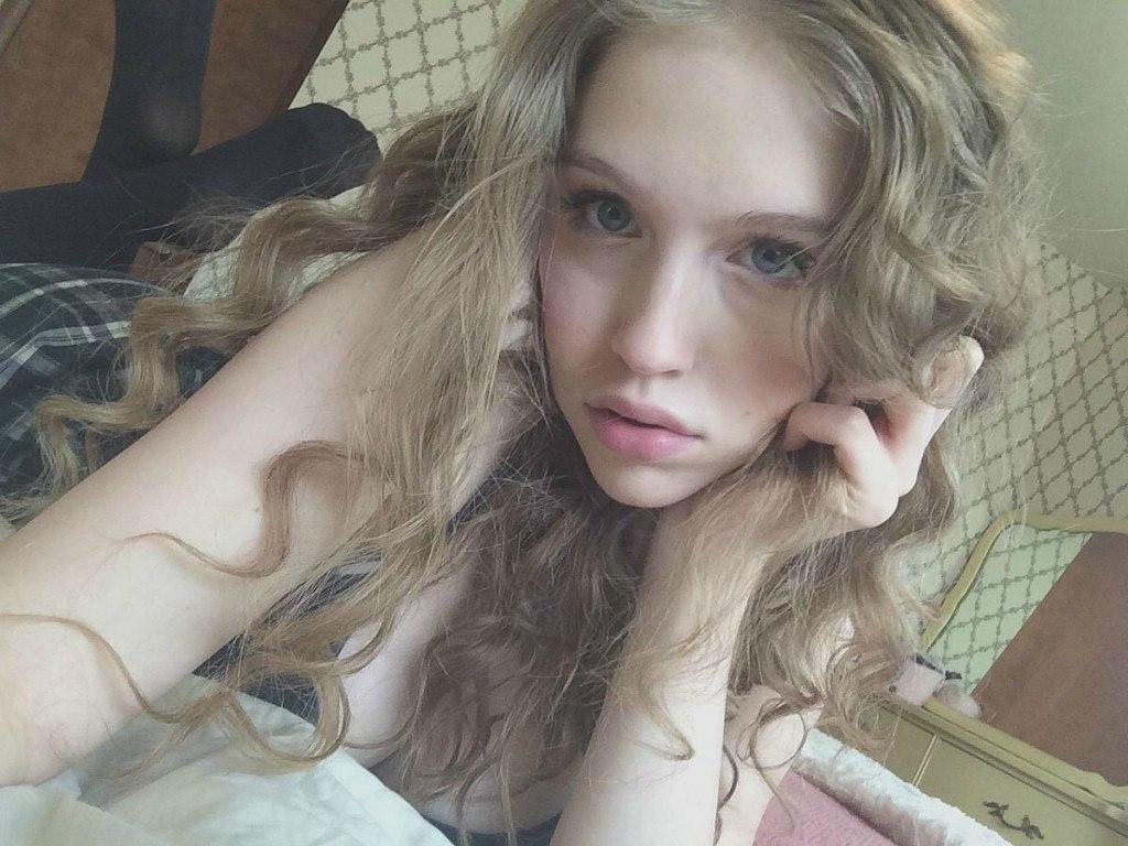 Nipple teen girl-3546