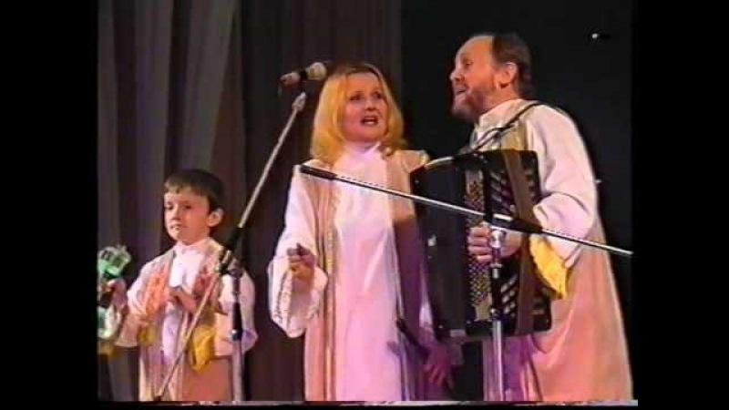 Folk family band of Momot's RODYNA (Romny town, Ukraine)